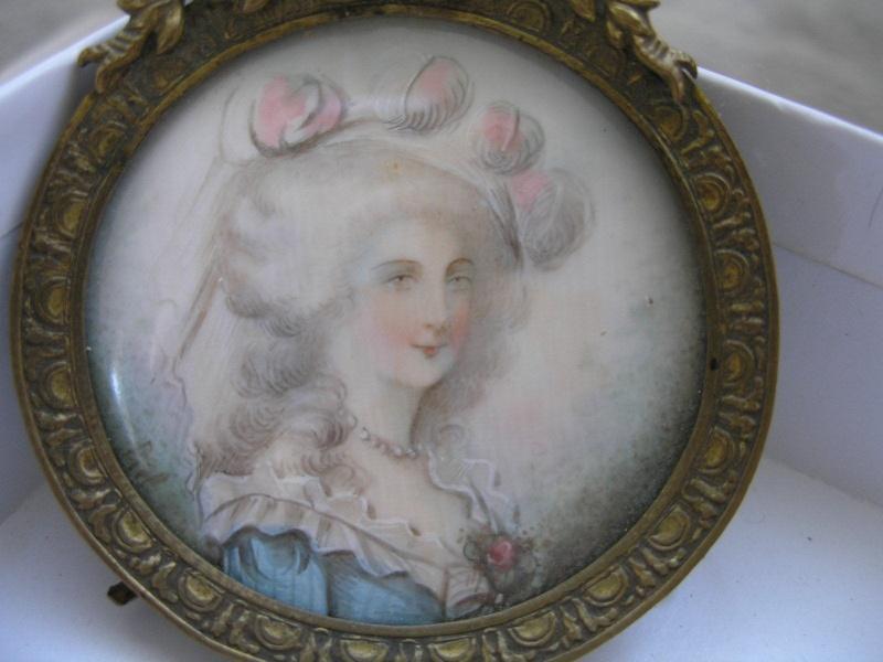 A vendre: miniatures de Marie Antoinette et de ses proches - Page 2 _5713