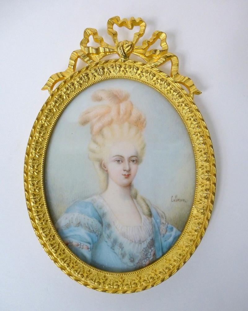 A vendre: miniatures de Marie Antoinette et de ses proches - Page 3 _5719
