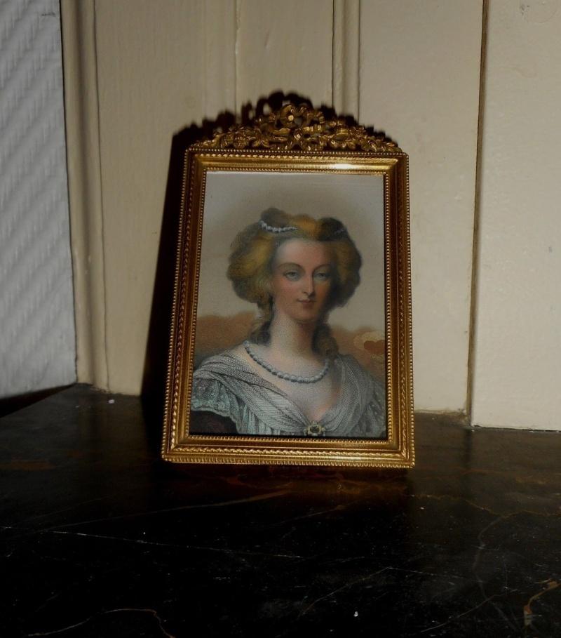 A vendre: miniatures de Marie Antoinette et de ses proches - Page 3 _5722