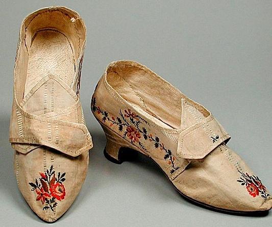 Les chaussures du XVIIIe siècle Captur11