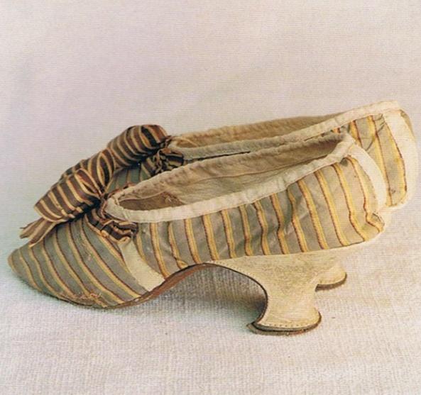 Les chaussures du XVIIIe siècle Captur12