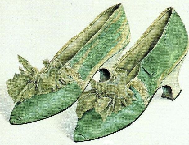 Les chaussures du XVIIIe siècle Captur13