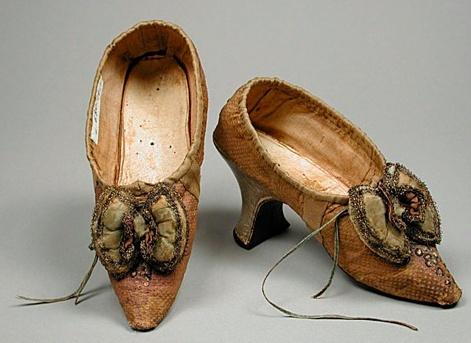 Les chaussures du XVIIIe siècle Captur15