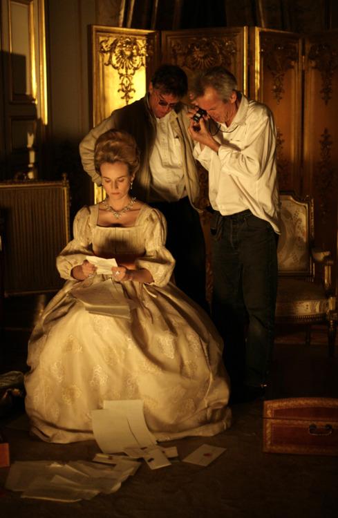 Films sur Marie-Antoinette : anachronismes et photos de tournage - Page 2 Lesadi10