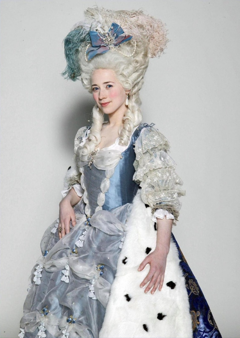 Marie Antoinette, la véritable histoire - Page 5 Mariea10