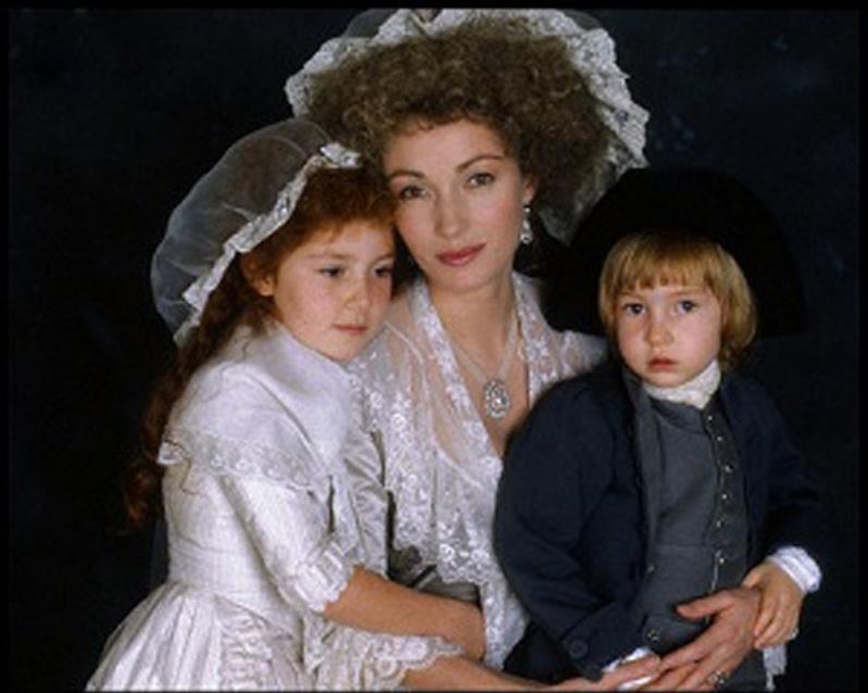 Les Années Lumières (Enrico) et Les Années Terribles (Heffron), avec Jane Seymour - Page 21 Mariea14