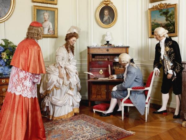 Visite du Comte chez le Baron de Breteuil - Page 5 Salon_10