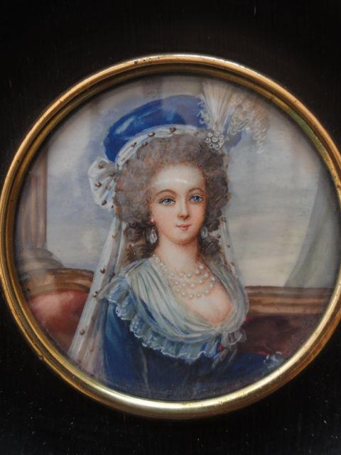 A vendre: miniatures de Marie Antoinette et de ses proches - Page 2 Vi10