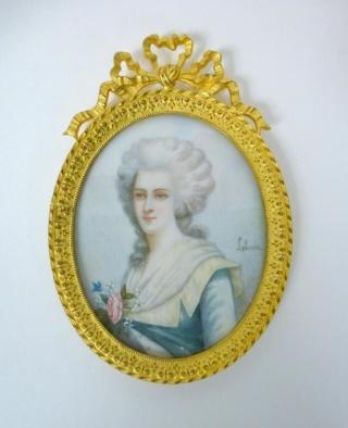 A vendre: miniatures de Marie Antoinette et de ses proches - Page 3 Zmin11
