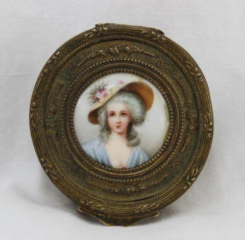 A vendre: miniatures de Marie Antoinette? Zpo10