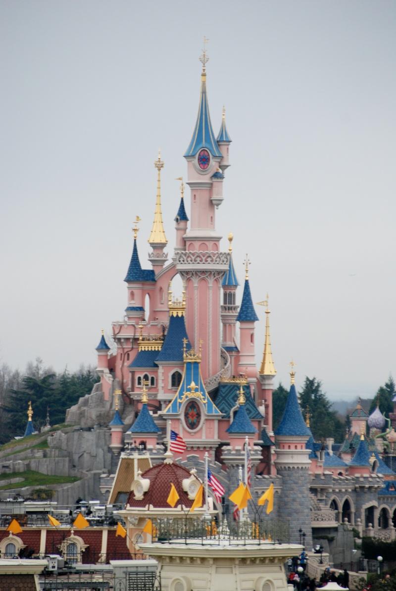 Anniversaire surprise : 6 ans au Castle Club !!! Prépation pour la surprise des 8 ans au DHL !!! Dsc_0022