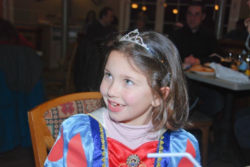 Anniversaire surprise : 6 ans au Castle Club !!! Prépation pour la surprise des 8 ans au DHL !!! Dsc_0031