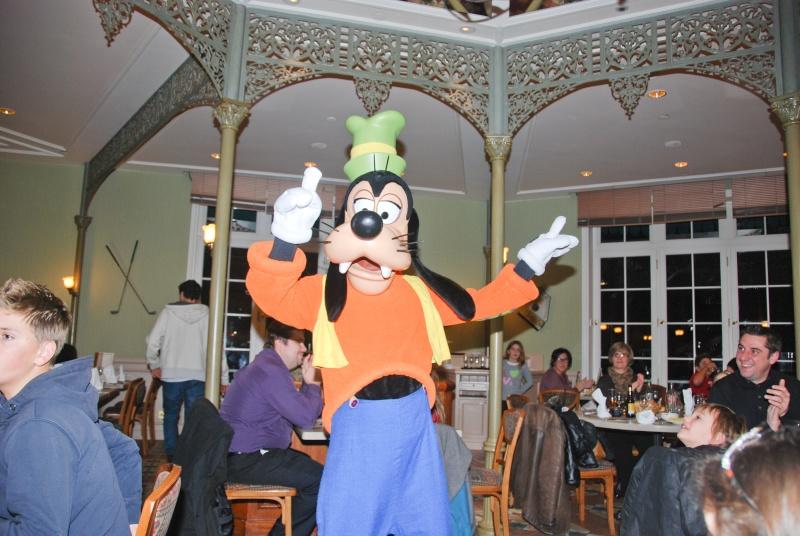 Anniversaire surprise : 6 ans au Castle Club !!! Prépation pour la surprise des 8 ans au DHL !!! Dsc_0032