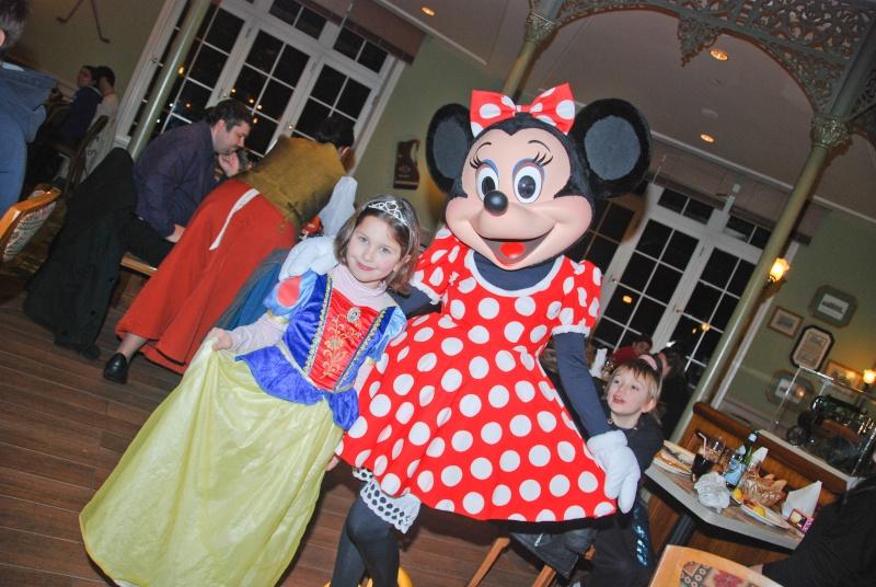 Anniversaire surprise : 6 ans au Castle Club !!! Prépation pour la surprise des 8 ans au DHL !!! Dsc_0036