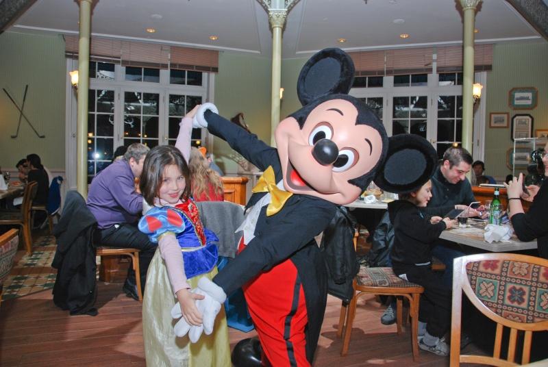 Anniversaire surprise : 6 ans au Castle Club !!! Prépation pour la surprise des 8 ans au DHL !!! Dsc_0039