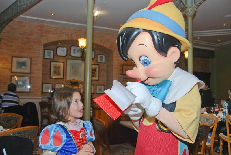 Anniversaire surprise : 6 ans au Castle Club !!! Prépation pour la surprise des 8 ans au DHL !!! Dsc_0040