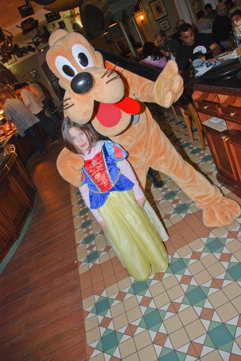 Anniversaire surprise : 6 ans au Castle Club !!! Prépation pour la surprise des 8 ans au DHL !!! Dsc_0041