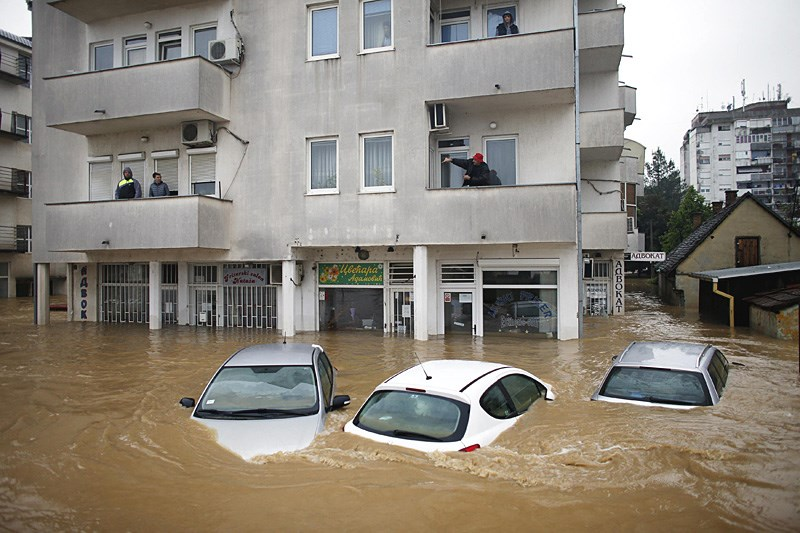 Überschwemungen in Ex Jugoslawien! Obreno11