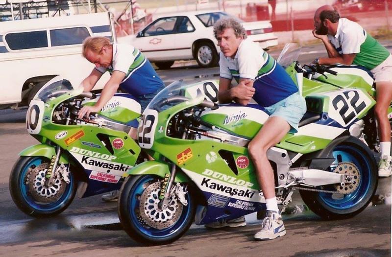 Machines de courses ( Race bikes ) - Page 18 10582910