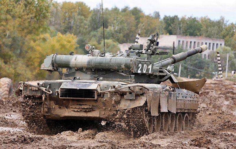 RUSSIAN T-80  [1/35° Lindberg] 800px-10