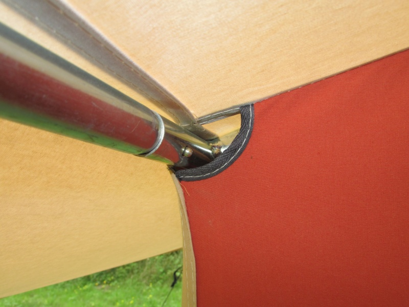 Quelques photos du montage d'une Cabanon Savane 4 Img_5237