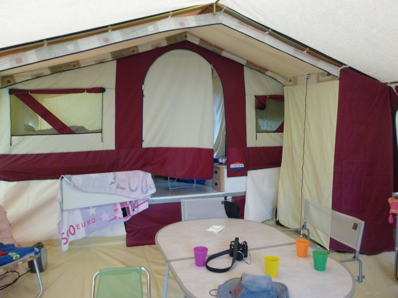 Double toit dans une caravane pliante P1010610