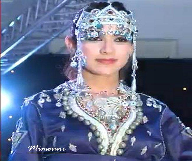 Miss Amazigh en caftan Lalla laaroussa  أسماء سرح  ملكة جمال الامازيغ Asma_m10