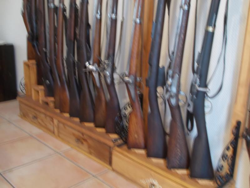 des jolis supports muraux pour un fusil...? - Page 2 Dscn0411