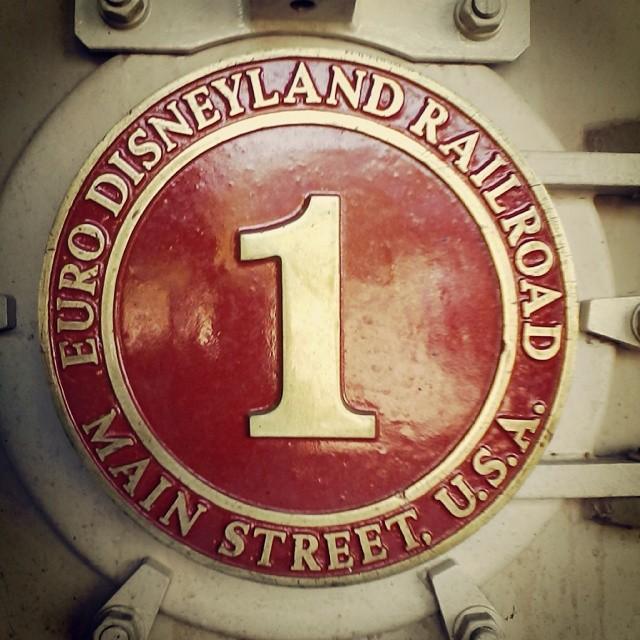 Disneyland Railroad - Page 20 10540410
