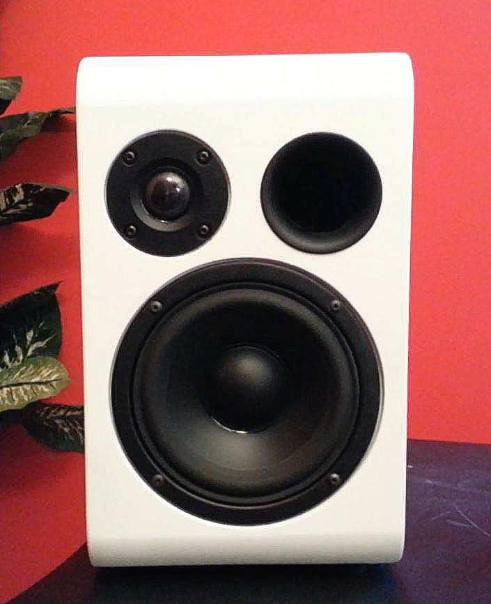 Consiglio diffusori: Monitor audio BX2 vs Q-acoustic 2020i Astri-11
