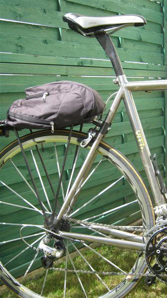 Porte bagage pour vélo pas prévu pour du tout ? Valo_010