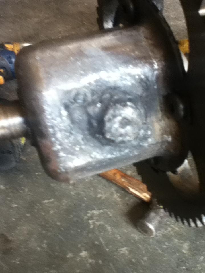 axle - how NOT to lock a mtd axle  Stuff_67