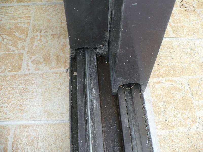 Pièce détachée pour rail porte vitrée Brun_210