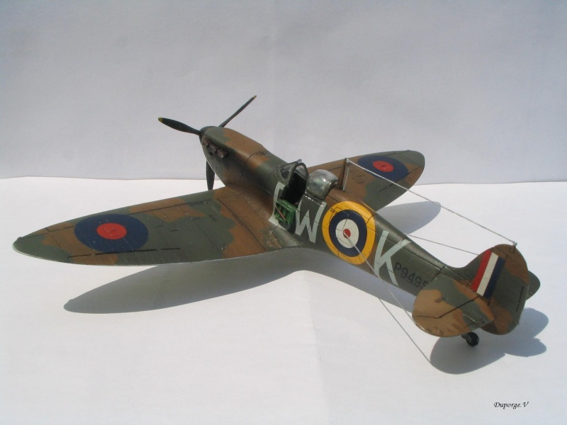 [blackhawk] supermarine spitfire MK.Ia 1/72 Img_8936