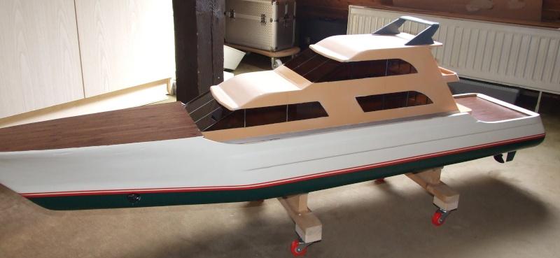 Fantasie-Luxusyacht Eigenbau Dscf0012