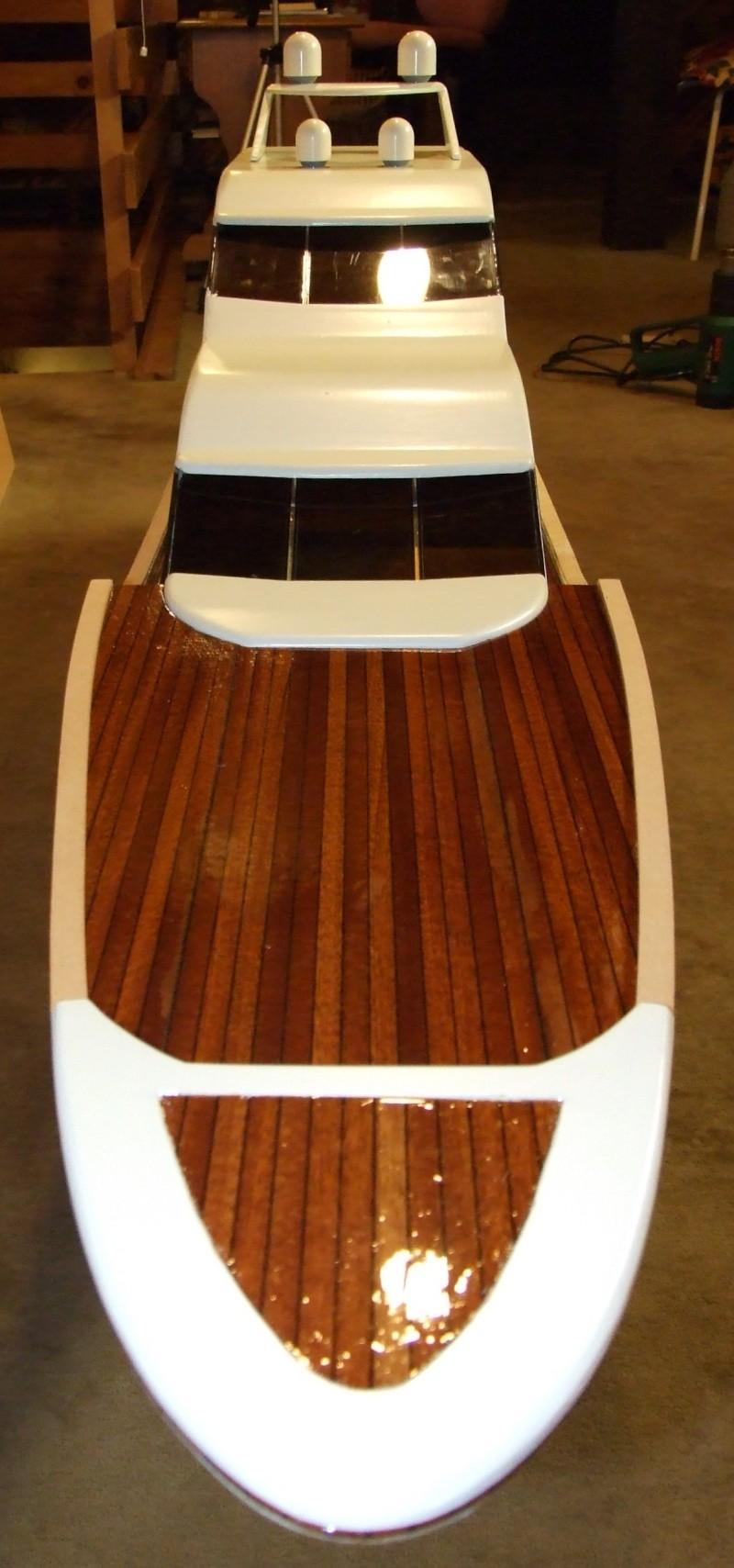 Fantasie-Luxusyacht Eigenbau Dscf0022