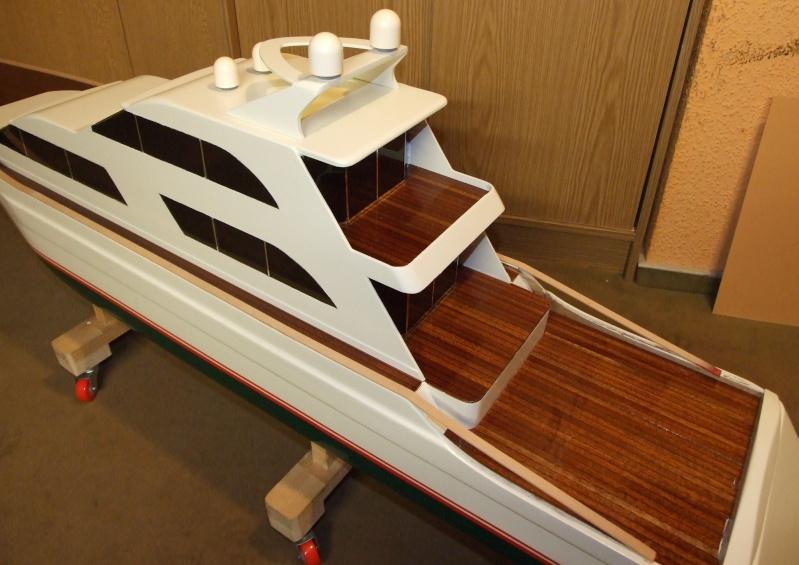 Fantasie-Luxusyacht Eigenbau Dscf0028