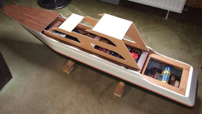 Fantasie-Luxusyacht Eigenbau Dscf0111