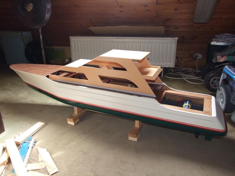 Fantasie-Luxusyacht Eigenbau Dscf0112