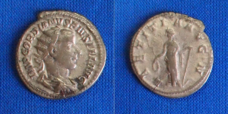Antoninianus de Gordien vrai ou...? 111
