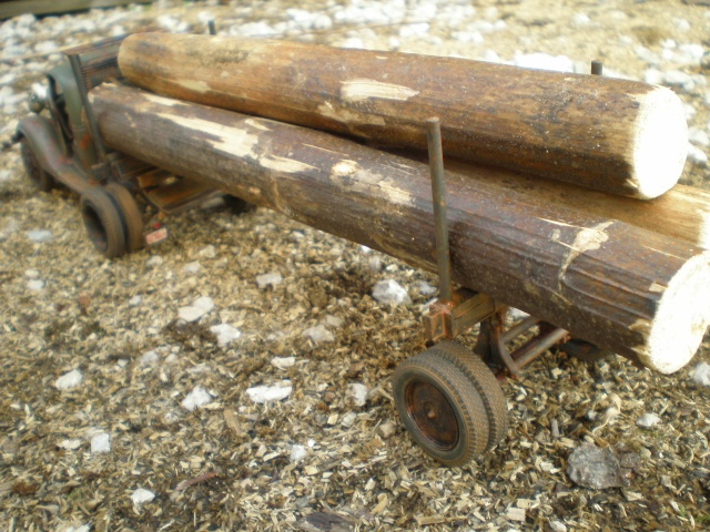old logger truck FORD 37 P1011615