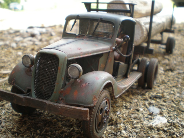 old logger truck FORD 37 P1011616