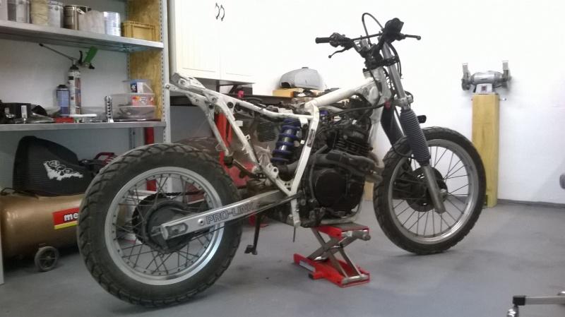 XL600RM tracker/brat Wp_20111