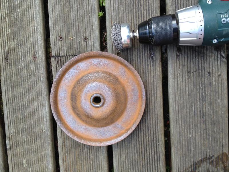 restauration de vieux pneux d'un petit chariot Photo_17