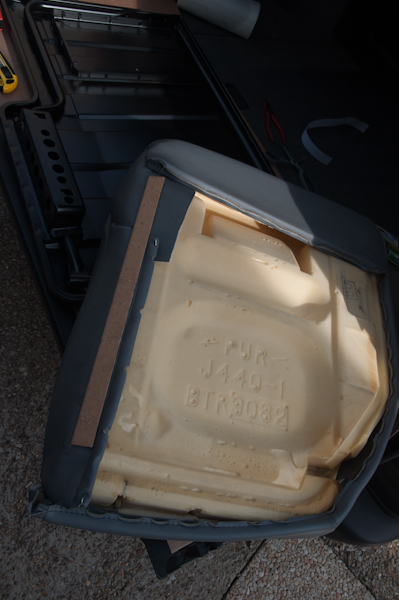 Montage d'un Frigo à la place du siège centrale arrière Faut_113