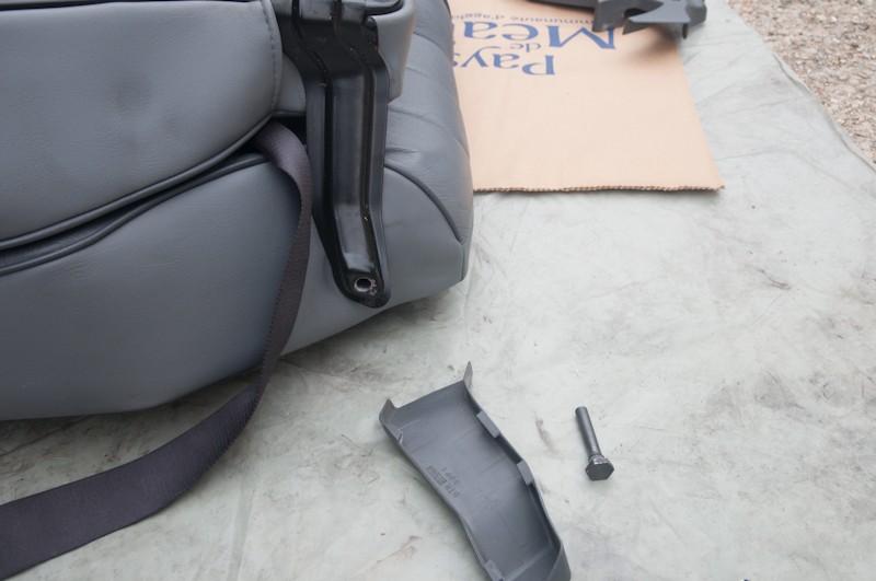 Montage d'un Frigo à la place du siège centrale arrière Faut_210
