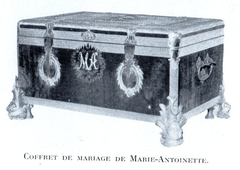 Le monogramme ou chiffre de Marie-Antoinette Img02110