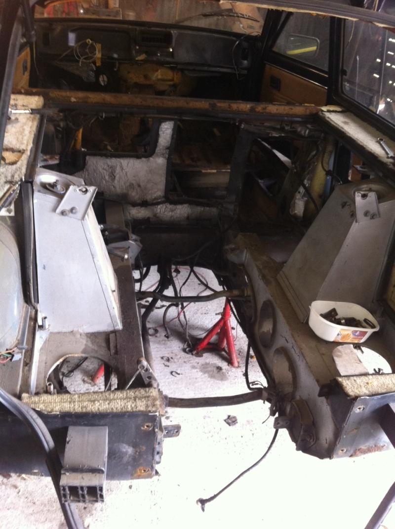Restauration de ma R5 turbo2 baptisée AKI Compar12