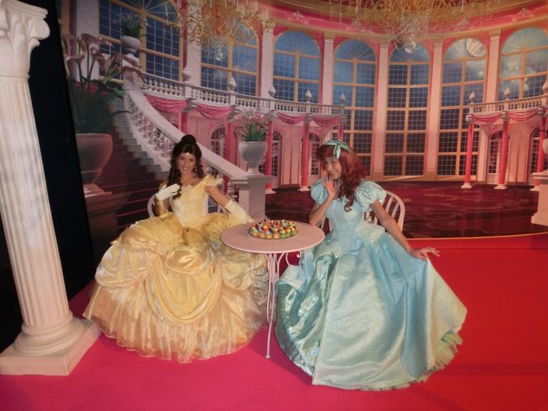 Pin Trading Event - Princess Tea Time - 30 Août 2014 - Page 5 Cimg6011