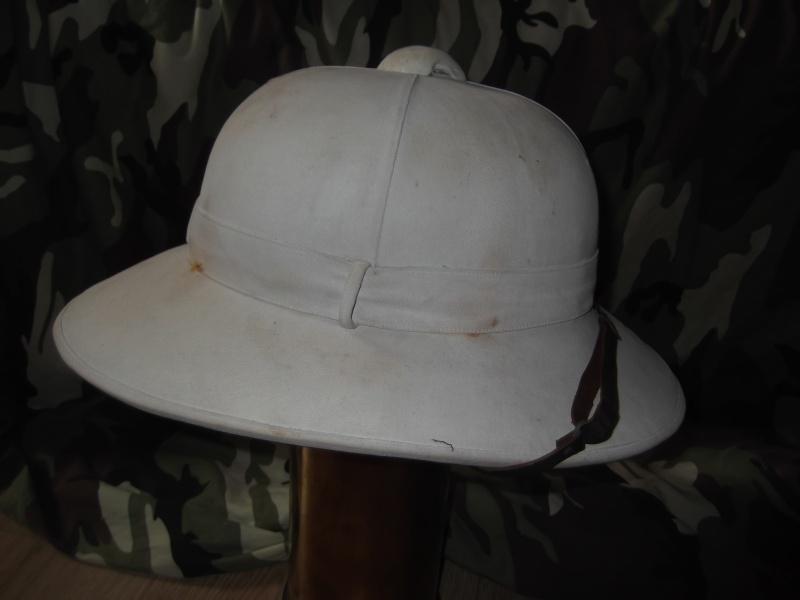 Montrez vos casques tropicaux Dscf2824